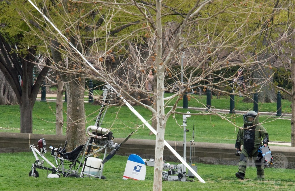 米議会敷地にオートジャイロ着陸、操縦の男拘束