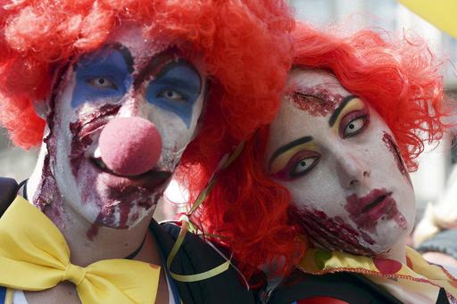 フランスで「恐怖のピエロ」パニック拡大、ネット動画が原因か