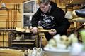 文化を守れ! 木靴を作り続ける職人たち オランダ