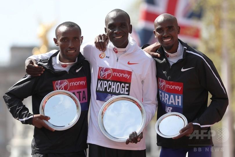 キプチョゲがロンドン・マラソン優勝、ファラーは3位