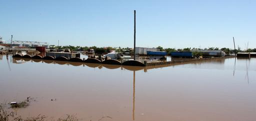 洪水で40人死亡、10万人以上が避難 モザンビーク