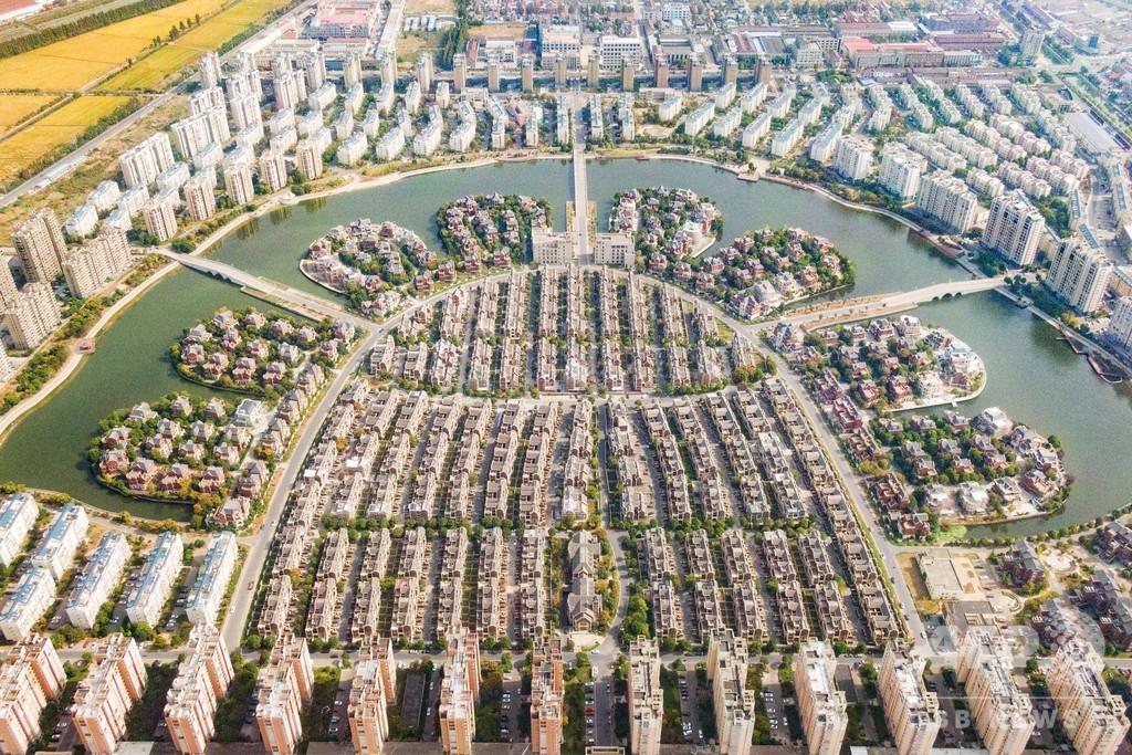 湖畔に建てられた高級マンション・別荘だらけの村 中国・丹陽