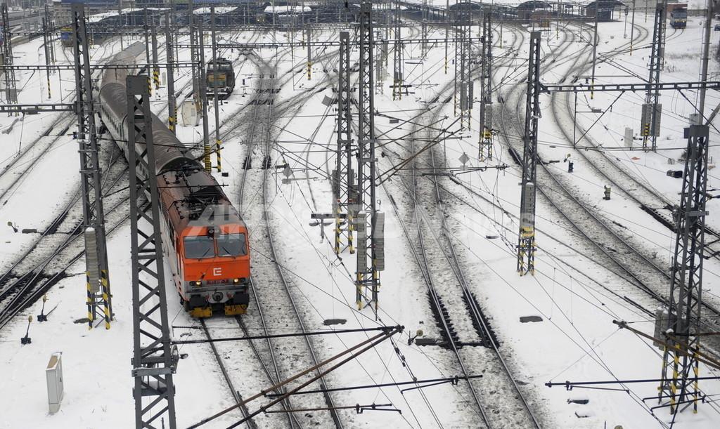 女性専用車両は「性差別」、チェコ男性ら鉄道会社を刑事告訴