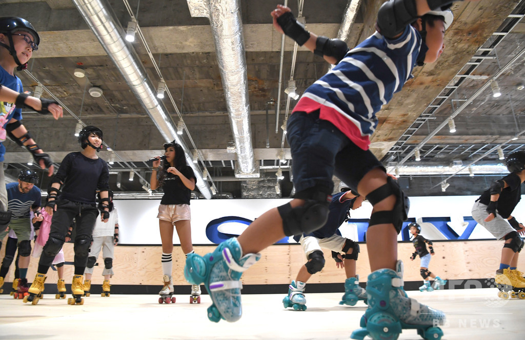 ソニービル跡地でローラースケート、ピンときたら「ウォークマン」通? 銀座にオープン