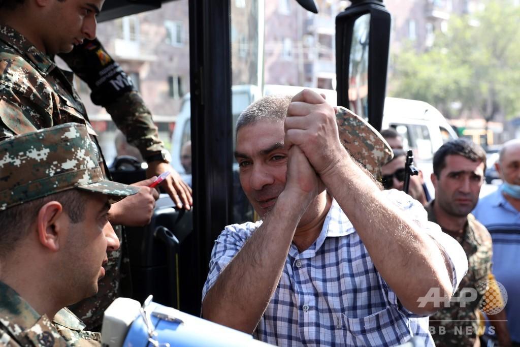 愛国心に駆られるアルメニア人たち、カラバフ衝突の「死闘」に志願続々