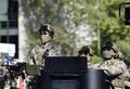 スペイン軍戦闘機が墜落、操縦士1人死亡 祝日の軍事ショーで