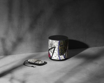 「バング & オルフセン × デヴィッド・リンチ」ワイヤレススピーカー、数量限定販売