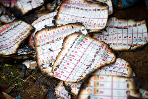 国際ニュース:AFPBB Newsコンゴで大統領・議会選挙、投票所の襲撃など相次ぐ