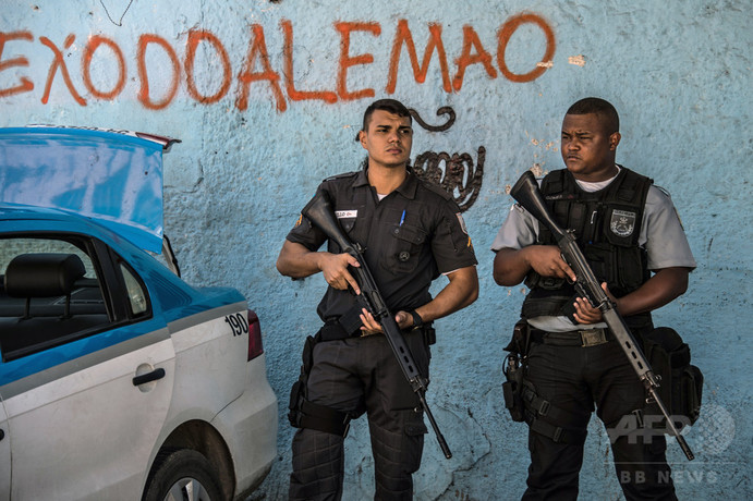 リオ警察で「超法規的」殺害横行、過去10年で8000人超 拷問も