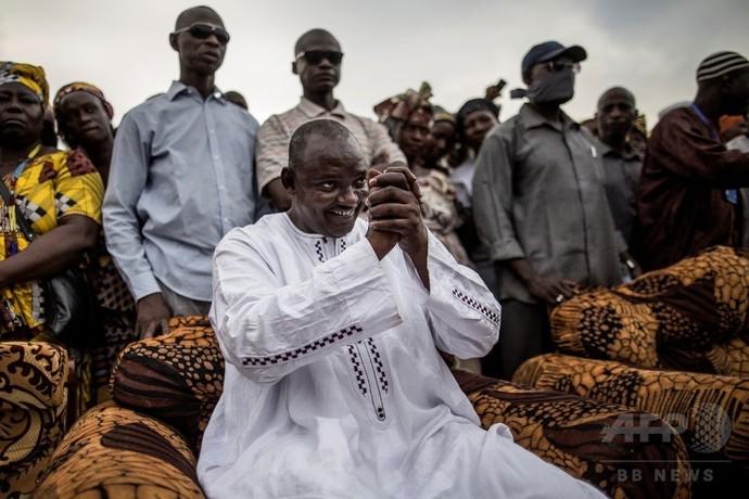 ガンビア大統領選、野党連合候補勝利 22年間のジャメ体制に終止符