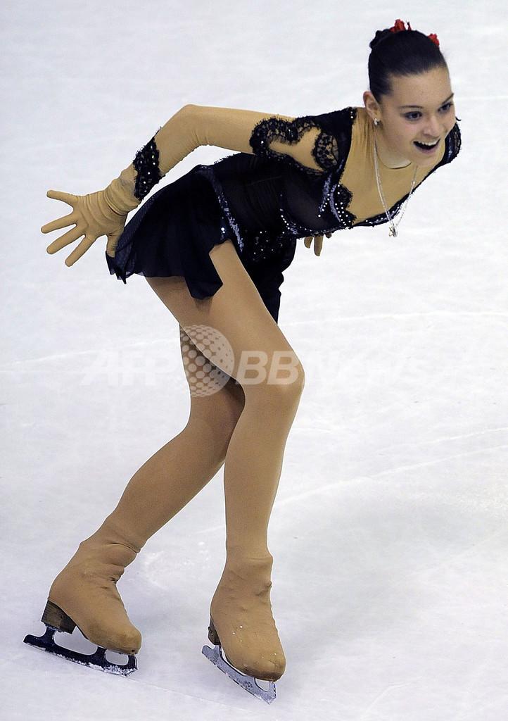 ロシアのソトニコワが女子SP首位に、フィギュア欧州選手権