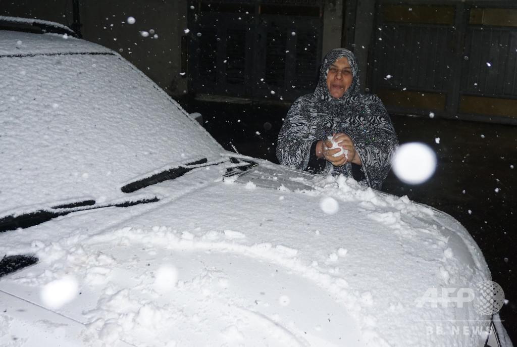 イラク首都にごく珍しい雪、過去100年で2回目