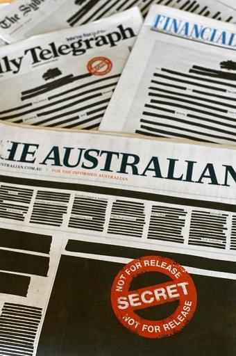 報道の自由訴え一面黒塗り、オーストラリア新聞各紙