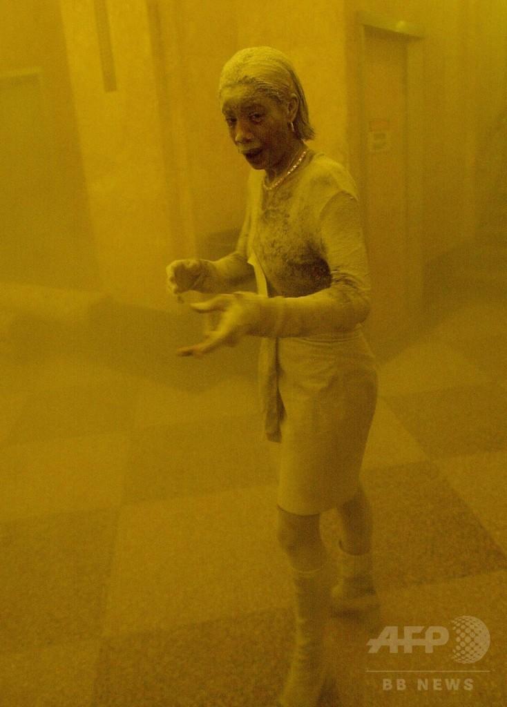 「粉じんまみれの女性」、がんで死去 米9・11テロ写真が有名に