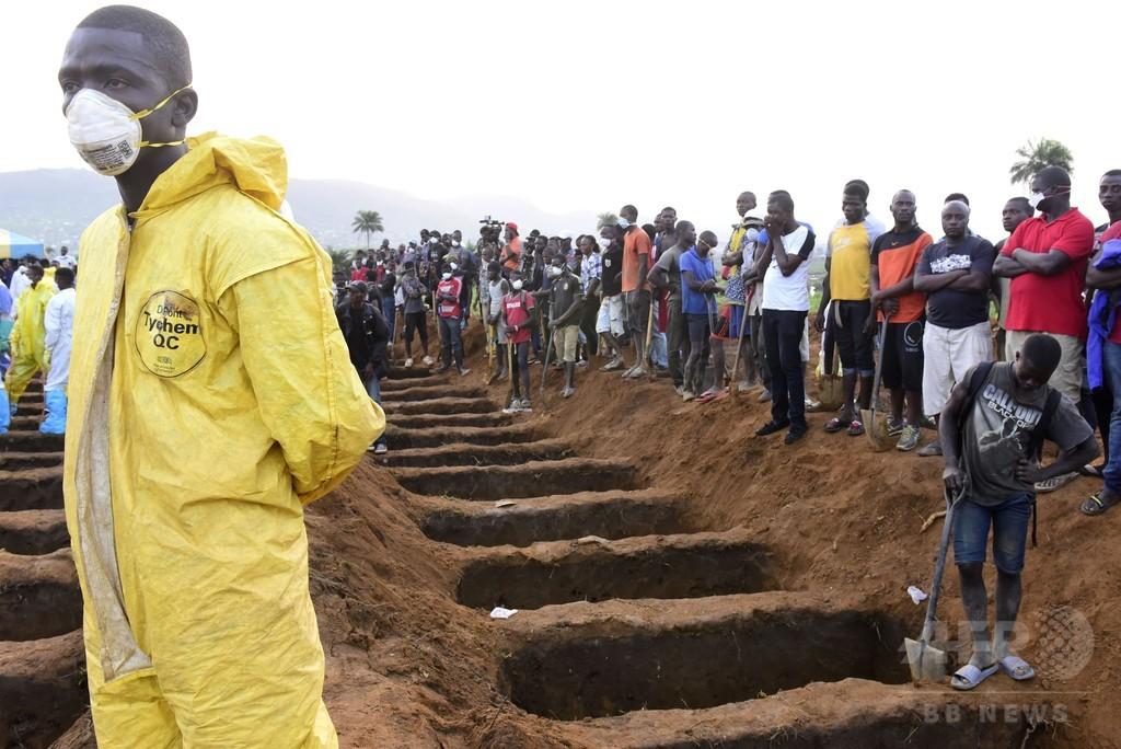 シエラレオネ首都の洪水、死者数400人突破 依然600人行方不明