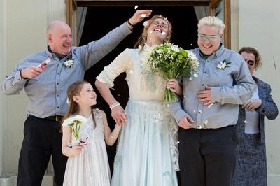 【写真特集】英国で同性婚解禁、幸せカップルが続々挙式