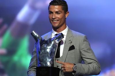 ロナウド、2季連続で欧州最優秀選手賞受賞