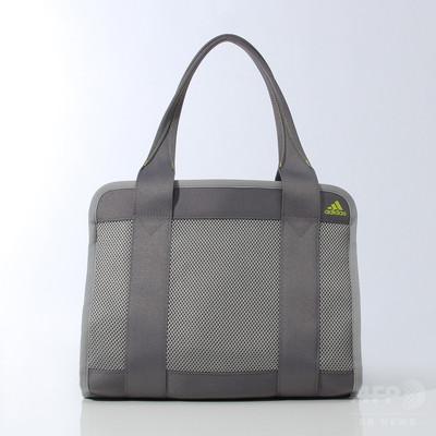 アディダスと青山学院大学が共同開発、「コスメティック バッグ」発売
