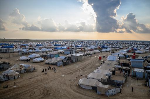 シリア避難民キャンプにIS拠点逃れた外国人の子ども2500人 国際NGO
