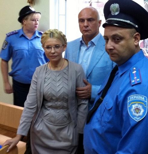 ティモシェンコ前首相に禁錮7年、ウクライナ裁判所