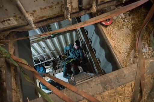 地下のヤミたばこ工場を摘発、監禁された6人救出 スペイン
