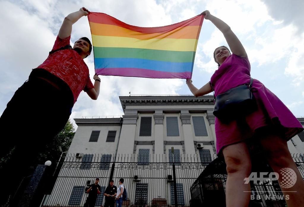 「同性愛者狩り」で活動家殺害か ロシアのLGBTに恐怖広がる