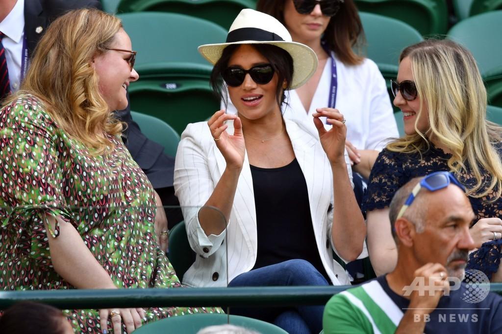 英メーガン妃が友人セレーナの試合を観戦、ウィンブルドン