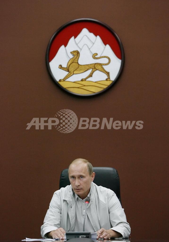 プーチン首相、北オセチア入り