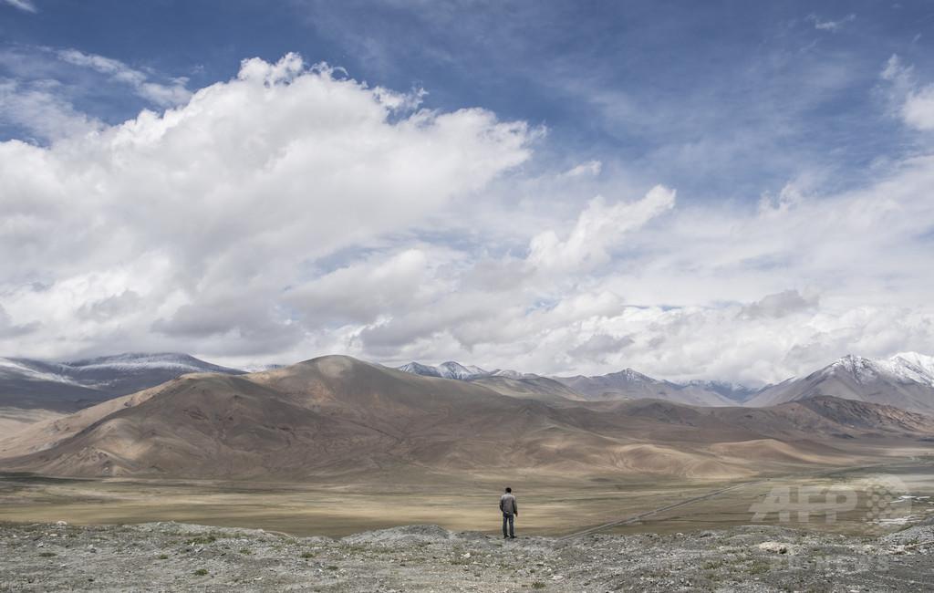 中国で消えたウイグル人妻たち、パキスタン人の夫ら募る不安