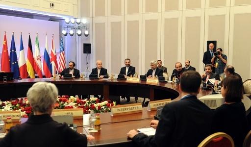 イラン核問題、協議継続で合意 外相は「画期的」と称賛