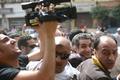 エジプトの人気コメディアン、検察の事情聴取後に保釈 大統領を風刺