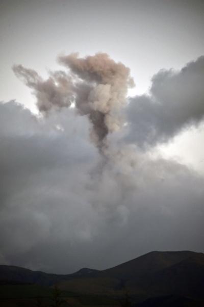 火山噴火で非常事態宣言、周辺住民は避難 エクアドル
