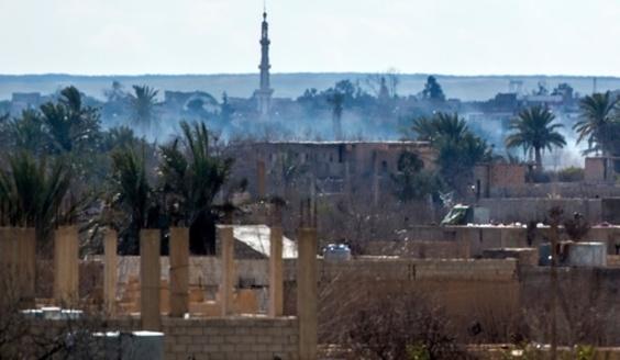 IS、シリアで住民2000人を人間の盾に 支配地は0.5平方キロ弱に