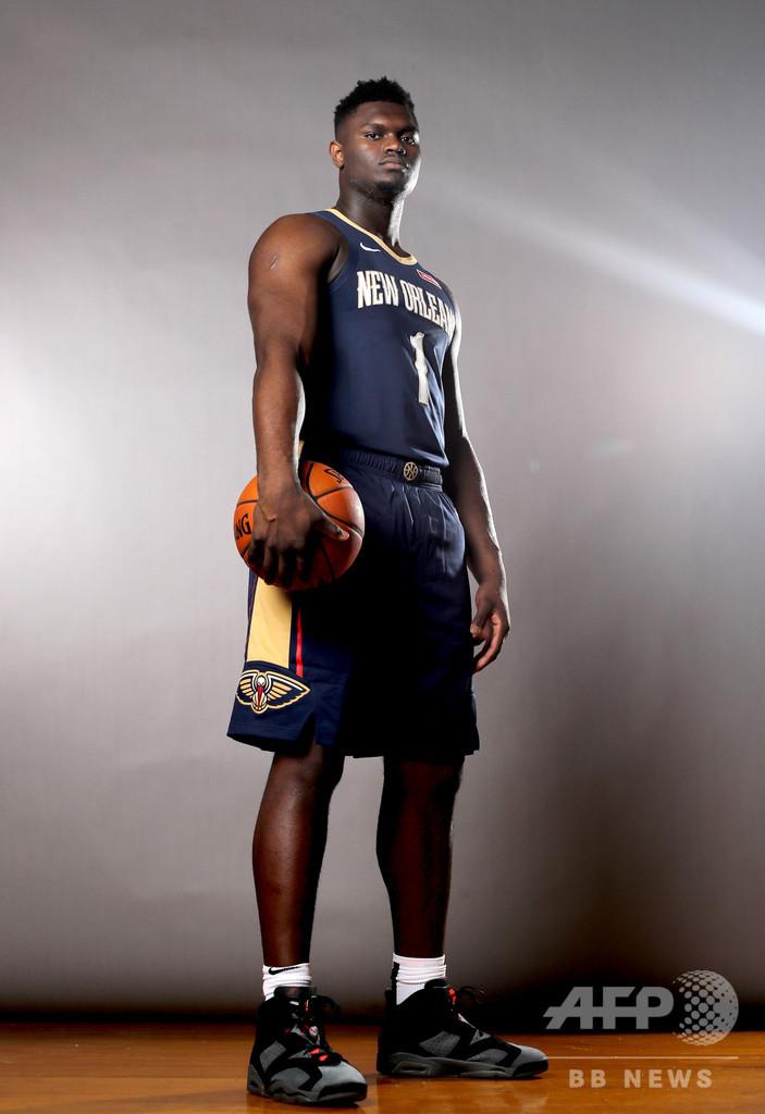 大型新人ウィリアムソン、NBA開幕絶望的 膝痛で「数週間」離脱へ