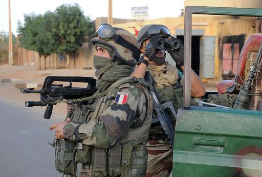 マリ北部ガオでまた爆発、仏軍は警察署を空爆か