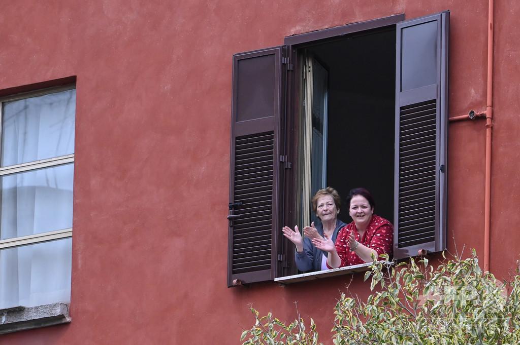 非日常の中の希望 新型コロナ外出制限下で暮らす欧州の人々