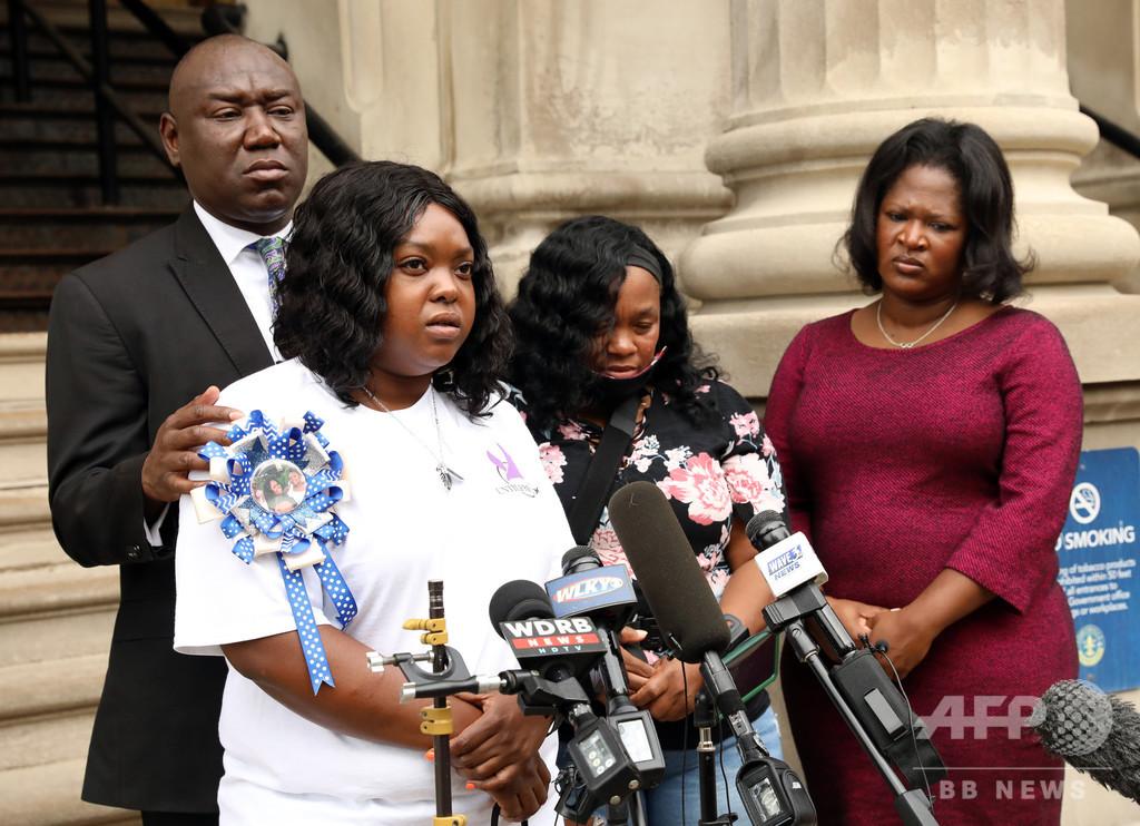 黒人女性の遺族に和解金12億円、米警察が射殺