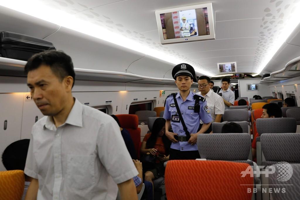 香港と広州結ぶ高速鉄道が開業、中国の締め付け強化への警戒も