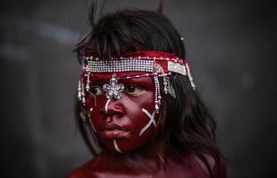ニカラグアの「聖ドミニコ祭」、全身真っ赤にペイント