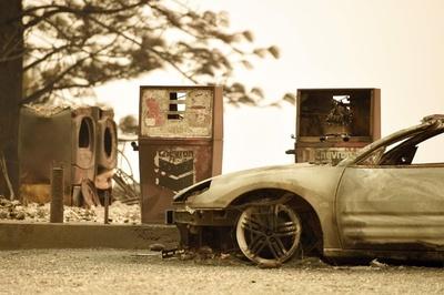 米加州の森林火災、ついに鎮火 死者87人、安否不明249人