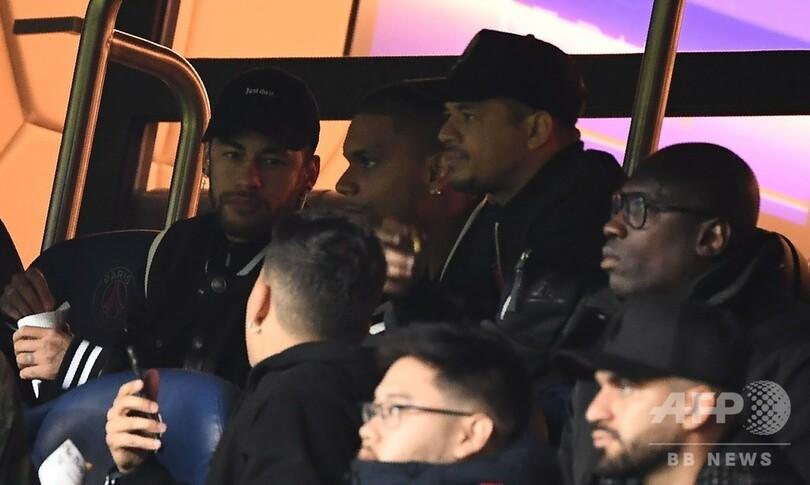 ネイマールにCL出場停止の可能性、判定めぐり暴言 UEFAが調査