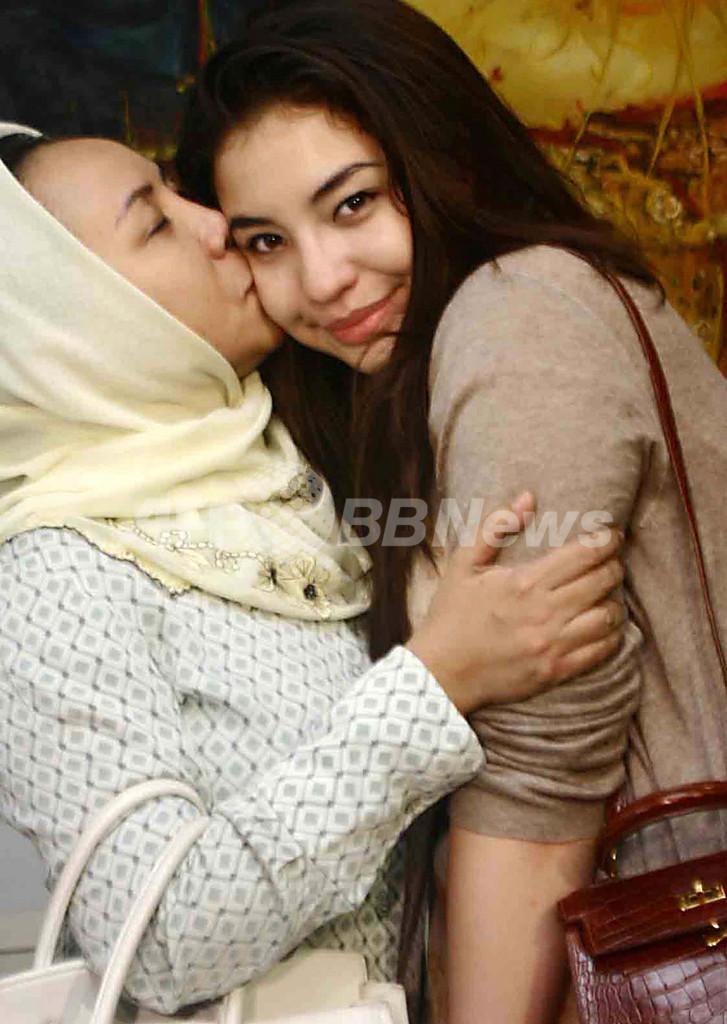 DV被害のマレーシア・スルタン王子妃、自力で脱出