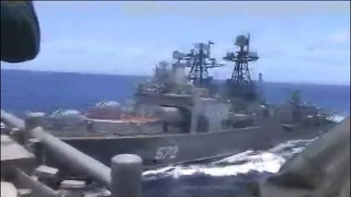 米ロ海軍が非難の応酬、東シナ海で軍艦同士が「衝突寸前」