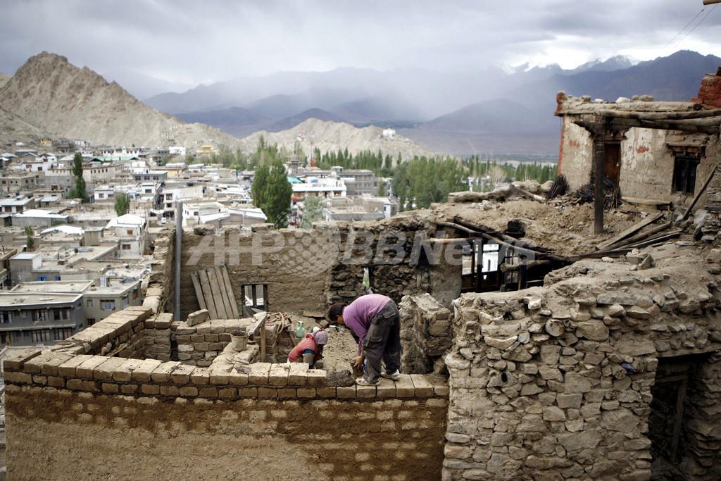 消滅の危機にあるヒマラヤ高地の伝統建築