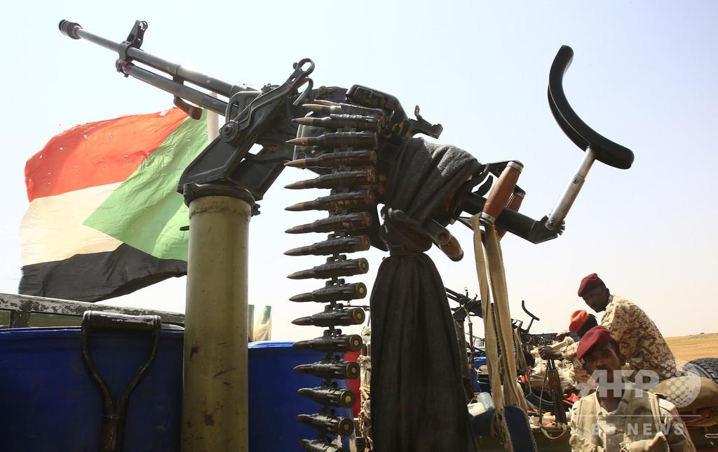 スーダン準軍事組織、対リビア国境で「傭兵」160人拘束と発表