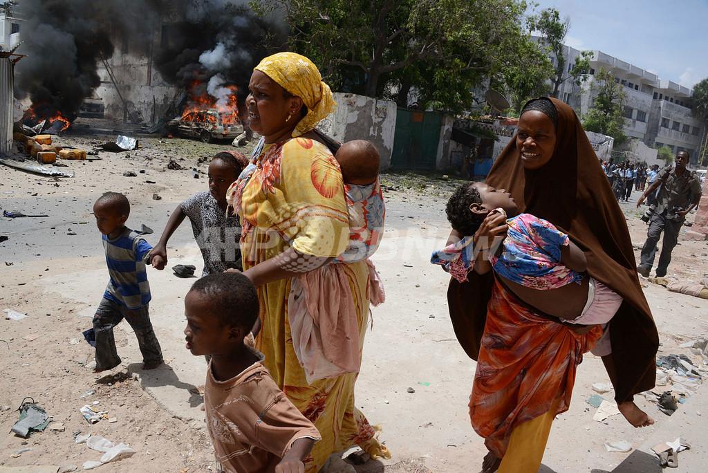 武装集団が裁判所や援助物資積んだ車列を襲撃、ソマリア