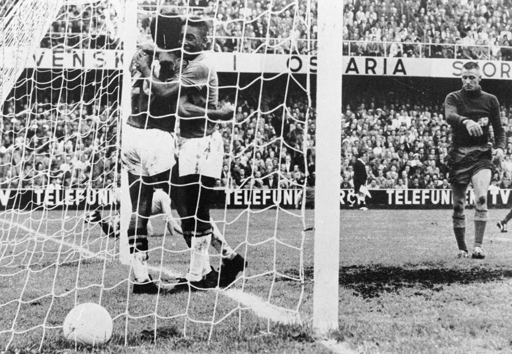 悲願の初優勝を果たしたブラジル―1958年W杯スウェーデン大会 写真1枚 ...