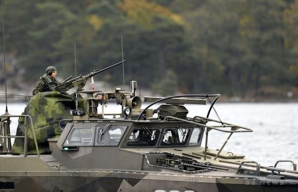 スウェーデン軍、首都沖での大規模な情報収集作戦を拡大