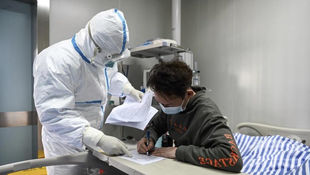 格段に進歩したチベットの医療 感慨にふけるベテラン女性医師