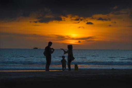 子どものいる夫婦に「離婚前講座」受講を義務化 デンマーク